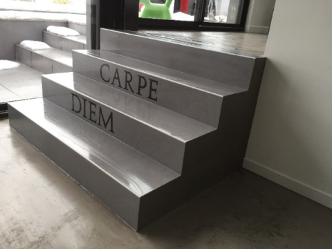 Pose carrelage int rieur is re artisan carreleur for Carrelage pour escalier interieur